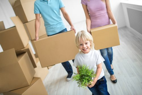 Helping children behave during a move