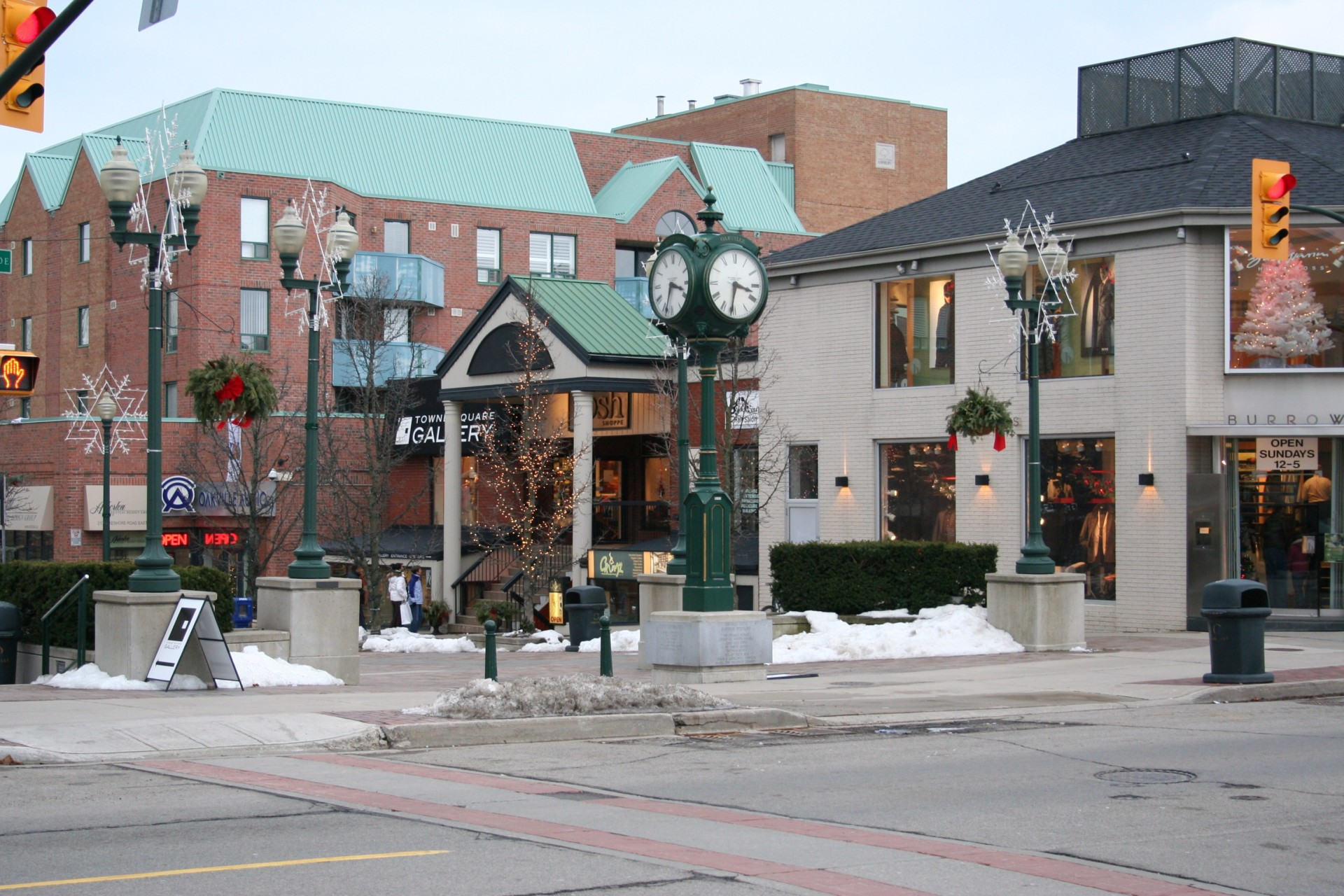 Thinking of moving to Oakville?